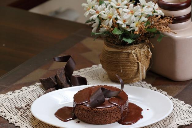 Bolo de chocolate cereja com café