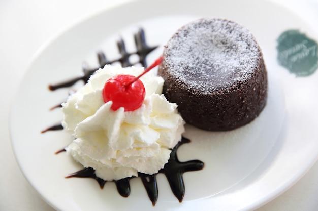 Bolo de chocolate de lava com sorvete