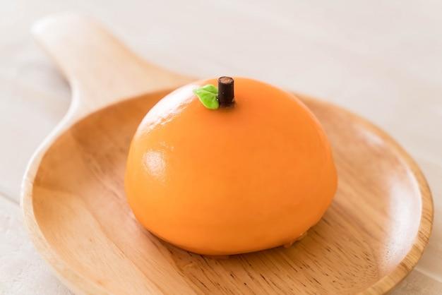 Bolo de laranja no prato