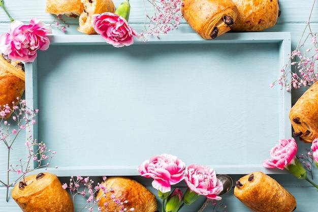 Bolo de mini croissants frescos