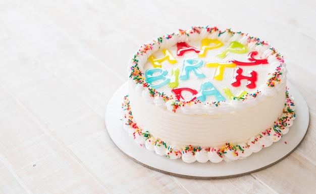 Bolo feliz aniversário