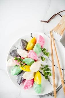 Bolos de arroz coreanos songpyeon
