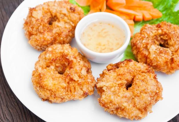 Bolos de camarão frito