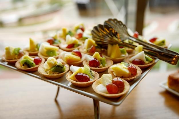 Bolos doces em catering para eventos