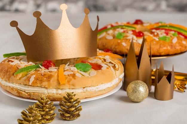 Bolos e coroas sobremesa feliz epifania