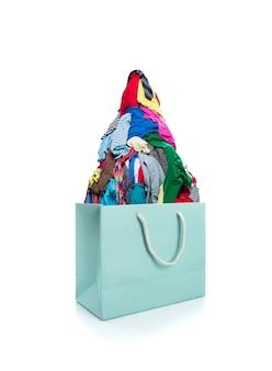 Bolsa cheia de roupas