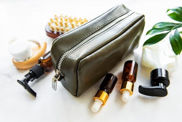 Bolsa cosmética de couro verde