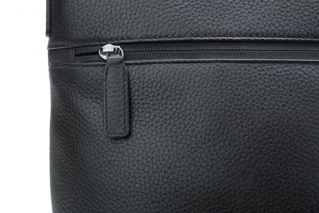Bolsa de couro moda masculina isolada no fundo branco