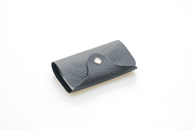 Bolsa de couro preta isolada no fundo branco