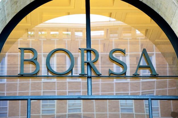 Bolsa de valores na piazza degli affari square