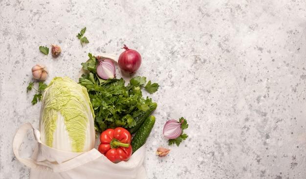 Bolsa ecológica para produtos com produtos hortícolas