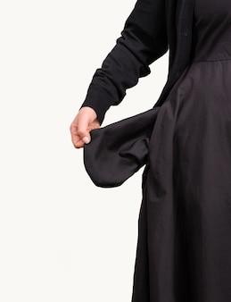 Bolsos vazios mulher isolados fundo branco mão preto