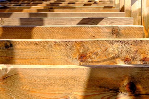 Bom material de pranchas de madeira em vista de perto