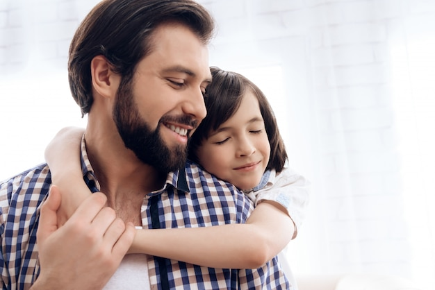 Bom relacionamento entre pai e filho.