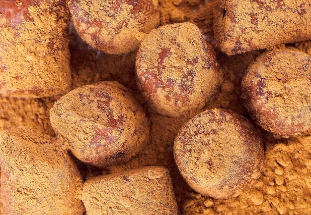 Bombons de chocolate trufa de energia fresca