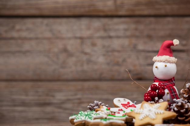 Boneco de neve com biscoitos