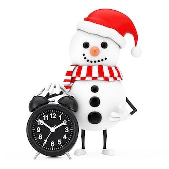 Boneco de neve na mascote do personagem de chapéu de papai noel com despertador em um fundo branco. renderização 3d
