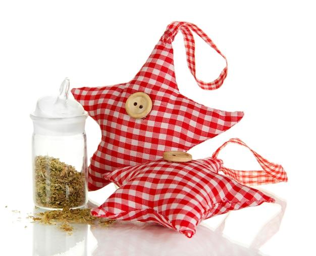 Bonecos macios em forma de estrela com ervas perfumadas isoladas em branco