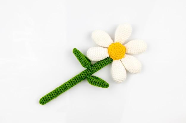 Bonito brinquedo de malha feito à mão amigurumi