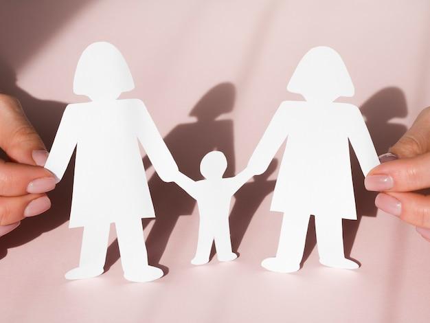 Bonito conceito de família lgbt arranjo com sombras