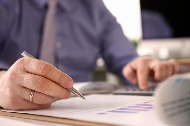 Booker calculate finance balance investment math