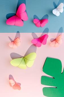 Borboletas de origami multicoloridas