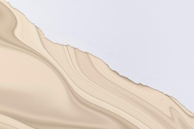 Borda de papel branco rasgado em fundo de arte em mármore feito à mão