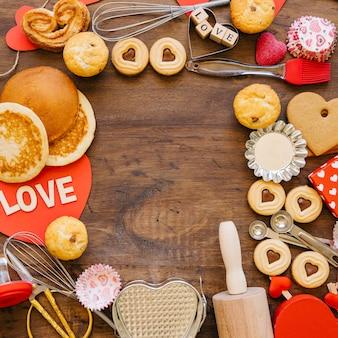 Borda de pastelaria e utensílios de cozinha