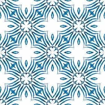 Borda verde orgânica na moda. design de verão chique boho cativante azul. têxtil pronto para impressão a fresco, tecido de biquíni, papel de parede, embrulho. ladrilho orgânico.