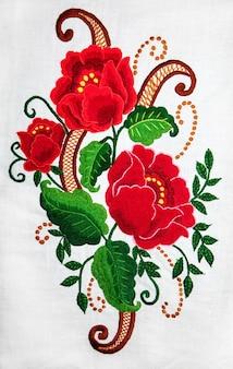 Bordado de arte e artesanato popular ucraniano