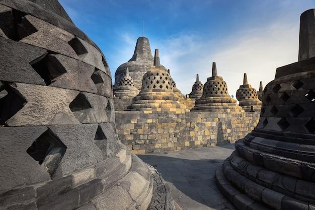 Borobudur, templo budista em yogyakarta, indonésia