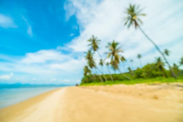 Borrão abstrata e praia tropical desfocada