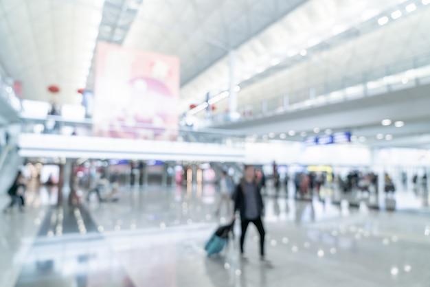 Borrão de pessoas no aeroporto