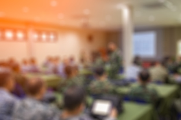 Borrão militar no local de trabalho