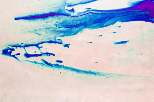 Borrões azuis no quadro branco