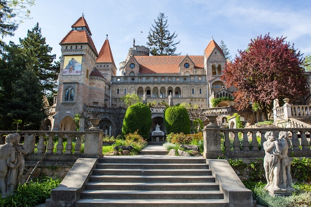 Bory var, gracioso castelo construído por um homem bory jeno no szekesfehervar, hungria
