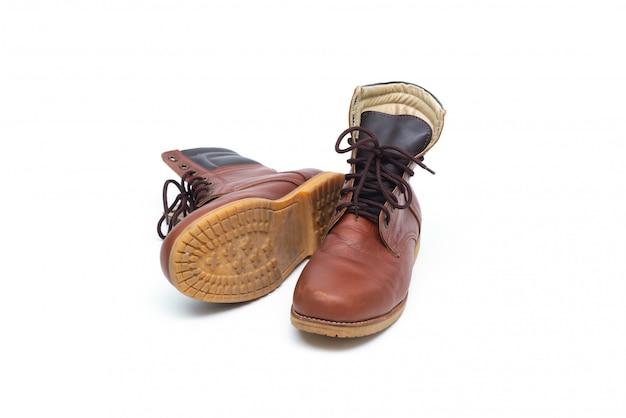 Bota de couro marrom masculino, moda calçado isolado