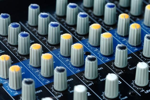 Botão elétrico do amplificador