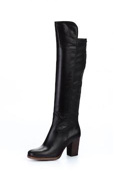 Botas de couro de joelho alto mulher isoladas