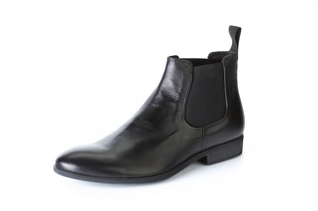 Botas de sapatos masculinos isolados no fundo branco