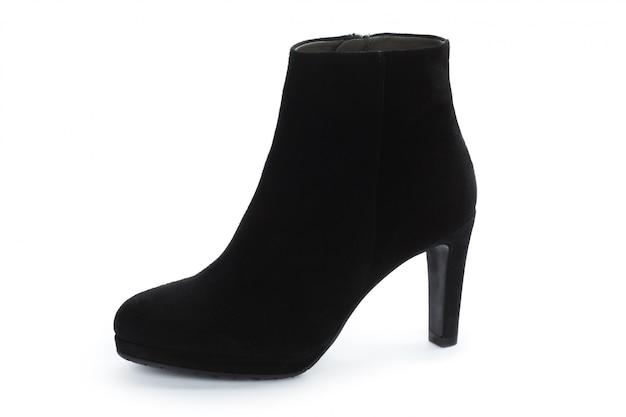 Botas de tornozelo feminino outono-inverno couro isoladas no branco