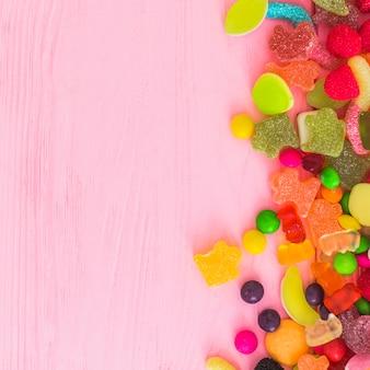 Botas deliciosas de gummies e doces