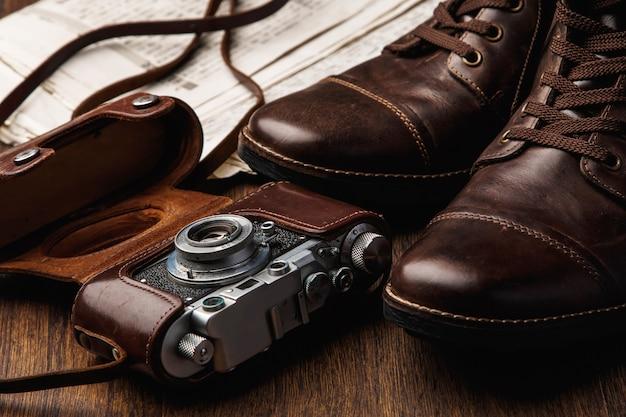 Botas e câmera