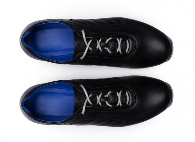 Botas isoladas no fundo branco.