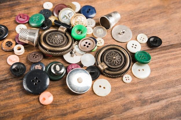 Botões de costura