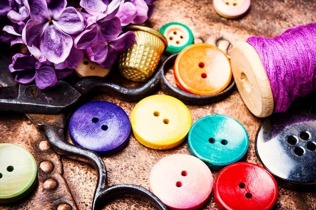 Botões de linha e costura