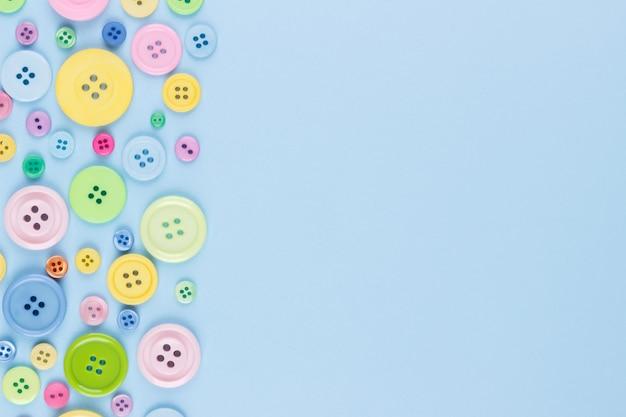 Botões de plástico colorido