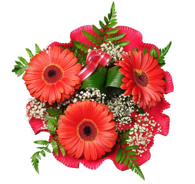Bouquet de flores com gérberas isoladas em branco