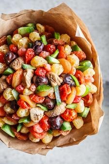 Bouquet de frutas secas e frutas cristalizadas.