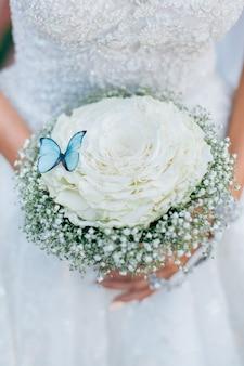 Bouquet de noiva com borboleta